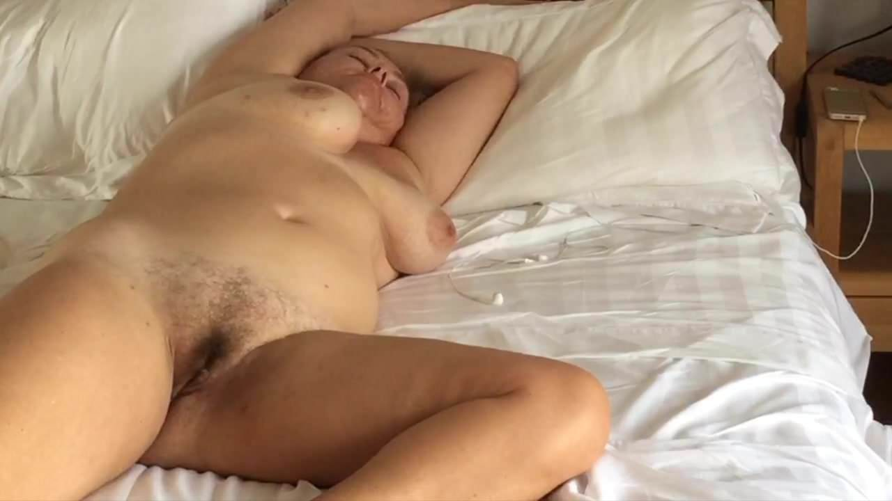 Bedroom Spycam Catches Naked Milf, Free Porn 90 Xhamster-2747