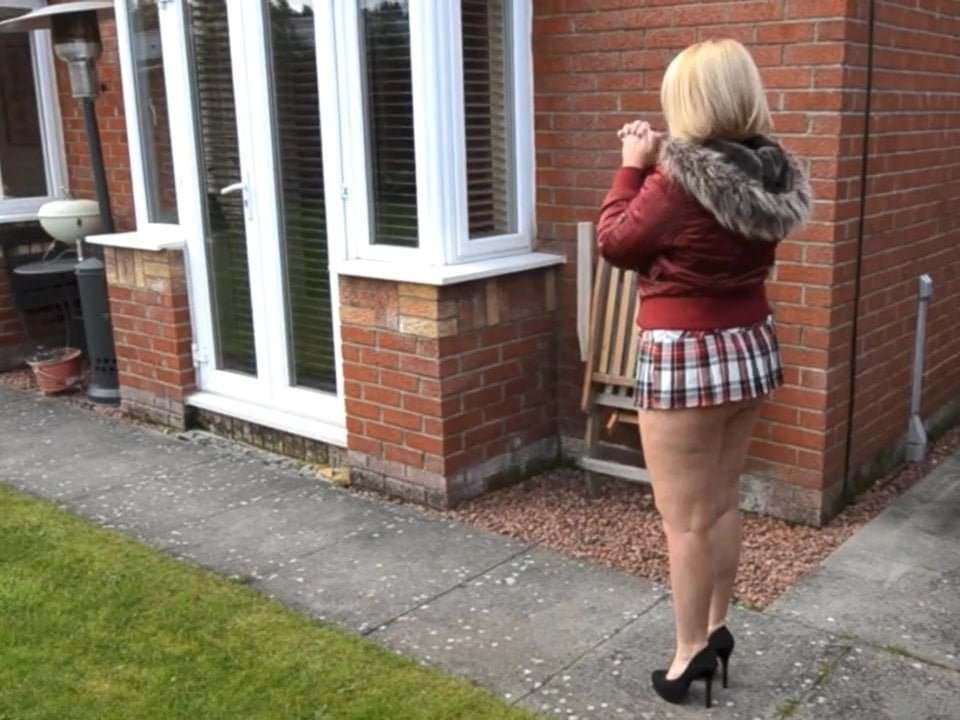 neighbor skirt short Busty in