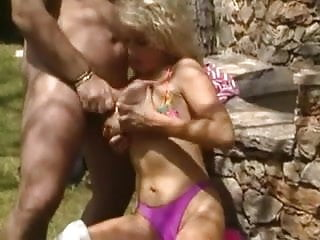 Sally Layd gets Butt Fucked by Roberto Malone