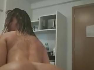 What a fat fucking booty!!