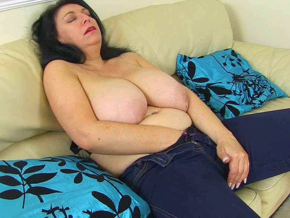 Europemature hot busty solo lady playing alone 4