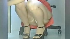 Upskirt Mature in the office! Panties and stockings!'s Thumb