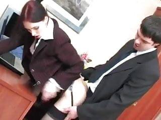 Razz- inculata in ufficio