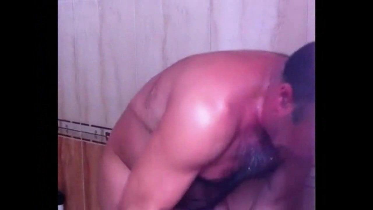 older men rooms Gay chat