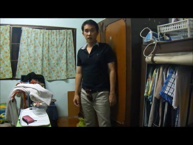 Asian wanks off in his room