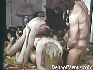 Petite Hairy Pussy Vintage Teen Gets Fucked - 1970s Erotica