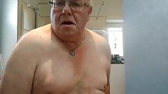 Shaking tits while wanking