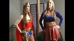 Super Frau gegen Super Maedchen