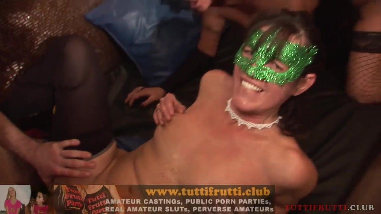 amateur public porn up close pusy