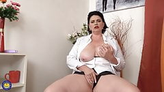 Real mom with amazing big tits and hungry clit