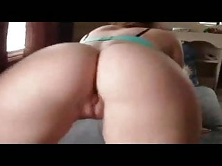 Beautiful babe shakes her big booty to the music