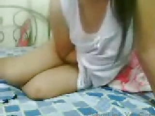 Download video bokep Camfrog Indonesia - sange tp malu Mp4 terbaru