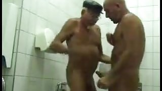 2 Daddys know how to work a bathroom :-)
