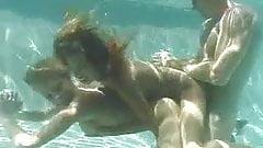 Underwater секс