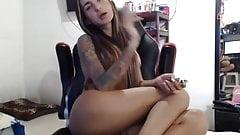 Episches fittes Schätzchen-Transe vor der Webcam von sharingan98