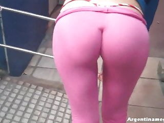 Most Round And Perfect Ass I Ve Seen Walking In The Street