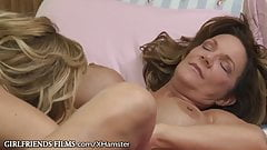 MILF eats Cougars Pussy to Squirt