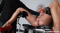 Submissed.com machine fucked babe control orgasm