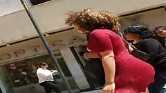nalgona en vestido rojo