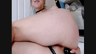 Cam Model And Her Butt Plug (poor sound quality)