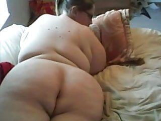 Ssbbw With Enormous Breast Masturbates On Webcam