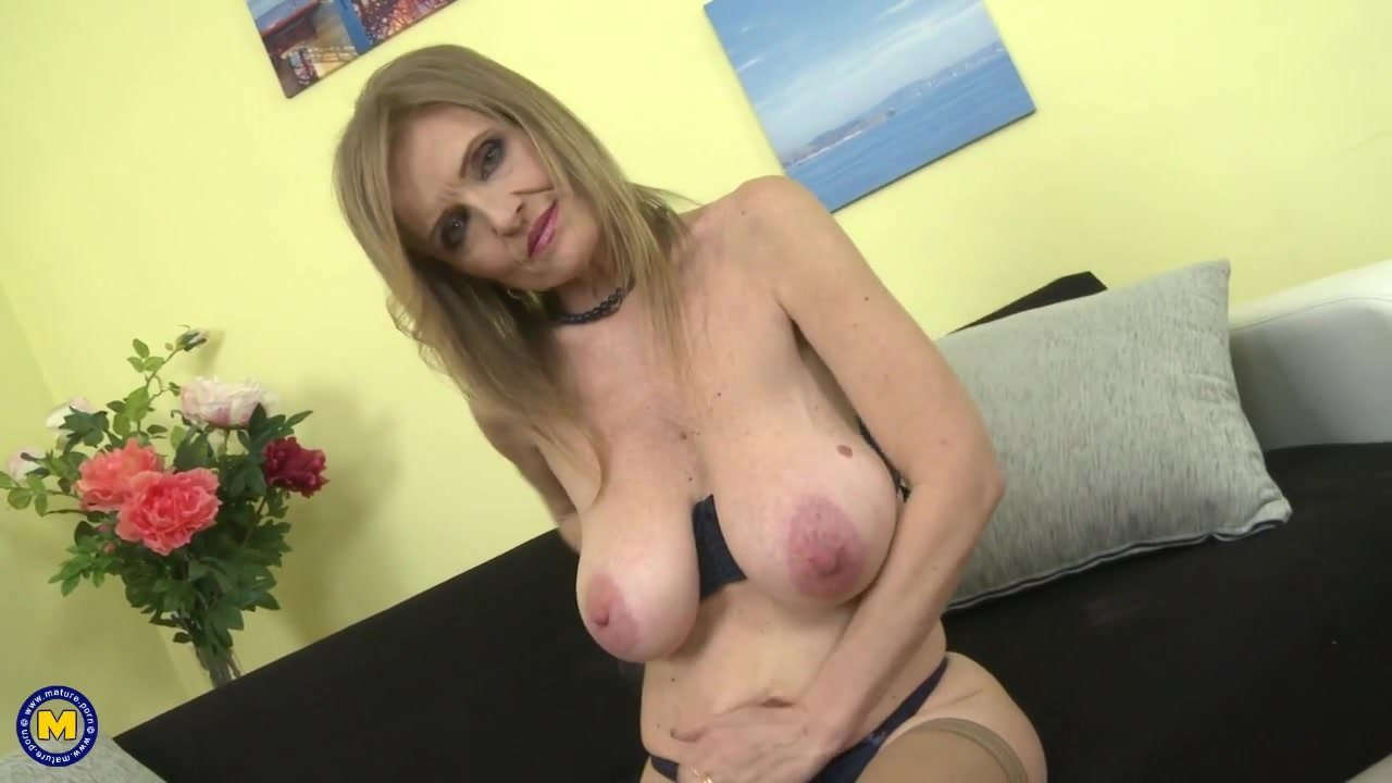 Huge tits mom video-2698