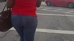 Candid big booty milf at bus stop