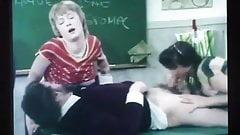Vintage Schoolgirls Classroom Fuck !