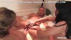 Amateur German matures in Lesbian bathtub orgy 's Thumb