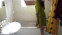 my mummy's bath scene