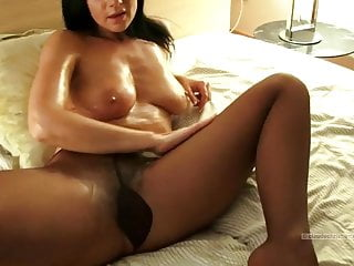 Mature Busty In Oily Pantyhose And Oily Hairy Pussy