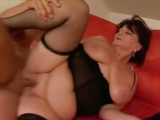 Download video bokep Fat grannies fuck best part 3 Mp4 terbaru
