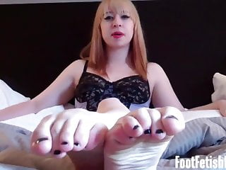 I bet you want to watch my feet while you jerk off