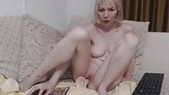 Short clip of a lady vith dildo