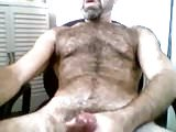 Very hairy daddy bear on cam