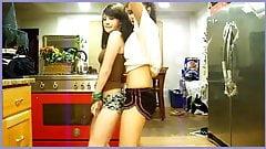 Candid Latina Dance 002