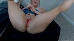 Cam girl with big tits squirts