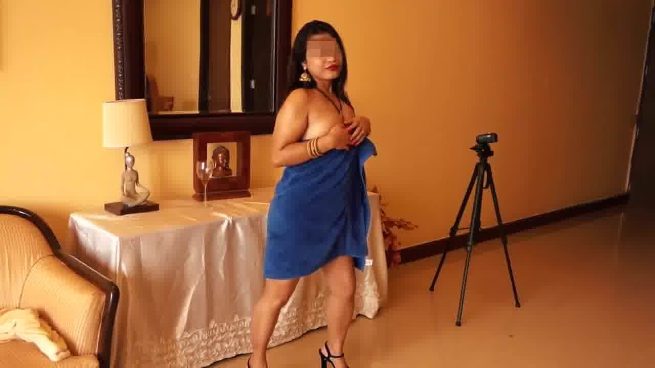 Free download & watch indian aunty              porn movies