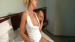 Amateur Hot And Sexy MILF Fuck And Scream - LostFucker