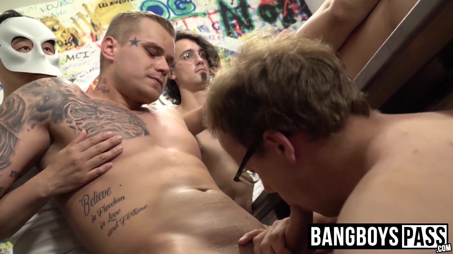 Muscular tattooed gays sucking cock and fucking in orgy