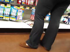 PAWG MILF TIGHT YOGA PANTS