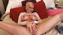 Big Boobs Blonde Babe Fingering Her Tight Pussy on Cam