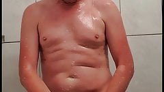 Nude german man wanks in shower