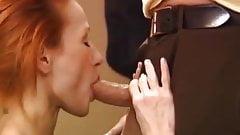 Rossa instancabile fa un favoloso pompino di gola profonda