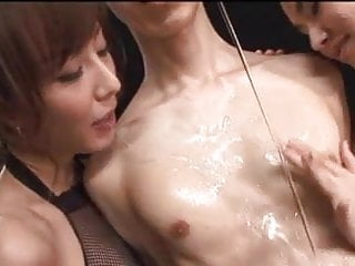 Preview 1 of Maria Ozawa and her friend fucking a guy
