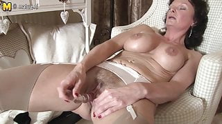 Pics english slut loves to masterbate boob