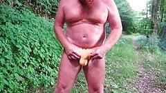 Oldie pee in yellow bulge slip