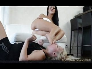 DEEP FEET - SWALLOW MY FEET BITCH - DOMINA NIA BLACK