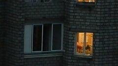 Neibors show her