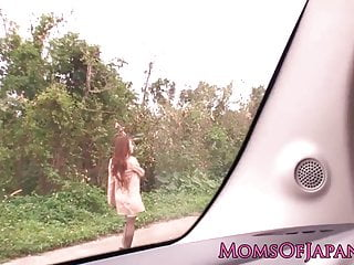 Download video bokep Japanese mature Hitomi Tanaka pounded outdoors Mp4 terbaru